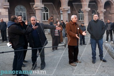 Constitutional amendments presented in Aragats village