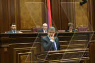 Prime Minister Karen Karapetyan presented the Government program at the National Assembly