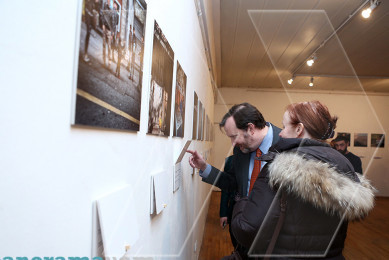 "Exhibition ""Bridging Stories"" brings together Armenian and Turkish photographs"