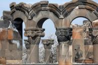 Զվարթնոցի տաճարը
