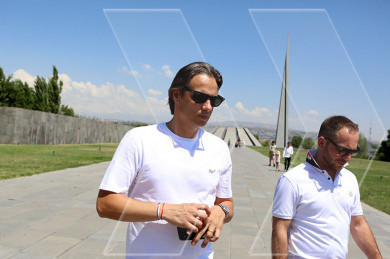 Nuno Gomes paid tribute to the victims of the Armenian Genocide in the Tstitsernakaberd Memorial-Complex