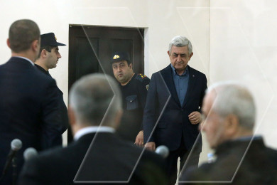 Former President Serzh Sargsyan thanks supporters outside Yerevan court