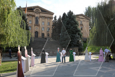 "Exhibition titled ""Prominent Armenian women of 20th century: Know your history"" opens at yard of Armenian parliament on Independence Day"