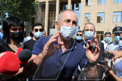 Robert Kocharyan meets with supporters in front of Yerevan court