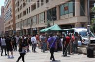 Իրանցիները Երևանում հերթ են կանգնել՝ անվճար պատվաստման համար