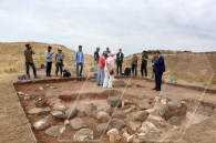 French ambassador to Armenia visits archeological site after completion of Erebuni excavations