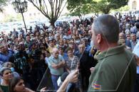 Արցախի օկուպացված շրջաններից բռնագաղթած բնակիչները բողոքի ակցիա են անցկացնում կառավարության շենքի դիմաց