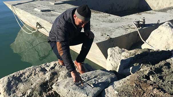 На дне озера Ван обнаружены хачкары