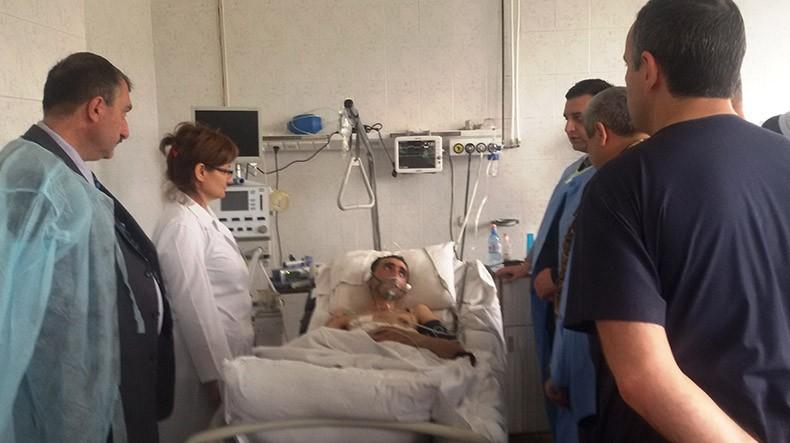 Глава Минздрава Армении побеседовал с военнослужащими, раненными в ходе боев в зоне карабахского конфликта