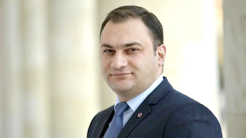 В. Акопян: В случае официального признания Нагорно-Карабахской Республики все об этом услышат в первую очередь из уст президента Армении
