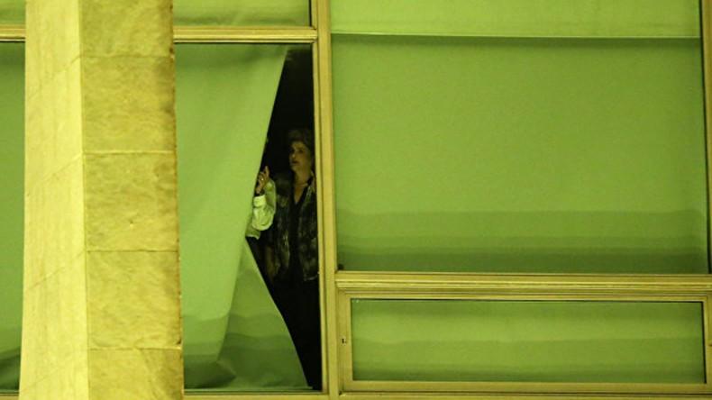Роуссефф вывозит вещи из дворца президента, не дожидаясь итогов голосования