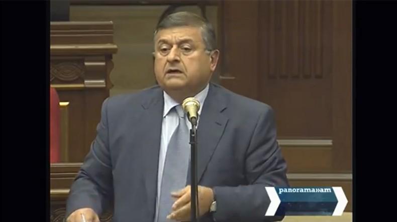 Депутат Гагик Джангирян предложил правительству Армении уточнить правовой статус отправившихся на передовую добровольцев