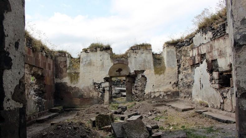 La Brujula Verde: Средневековый армянский город Ани поражает великолепием церквей и крепостными стенами