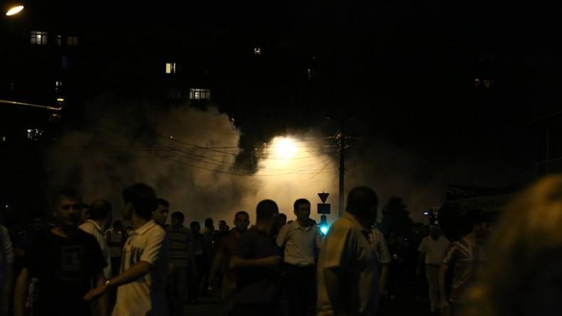 Ситуация на улице Хоренаци продолжает оставаться напряженной