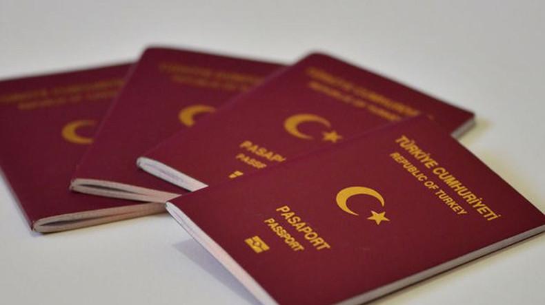 Власти Турции после попытки госпереворота аннулировали свыше 74 тыс. паспортов