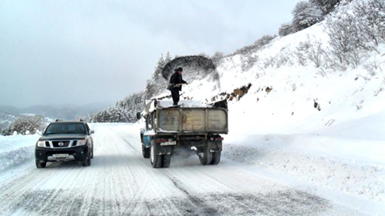 Из-за метели и плохой видимости труднопроходим перевал Варденяц в Армении