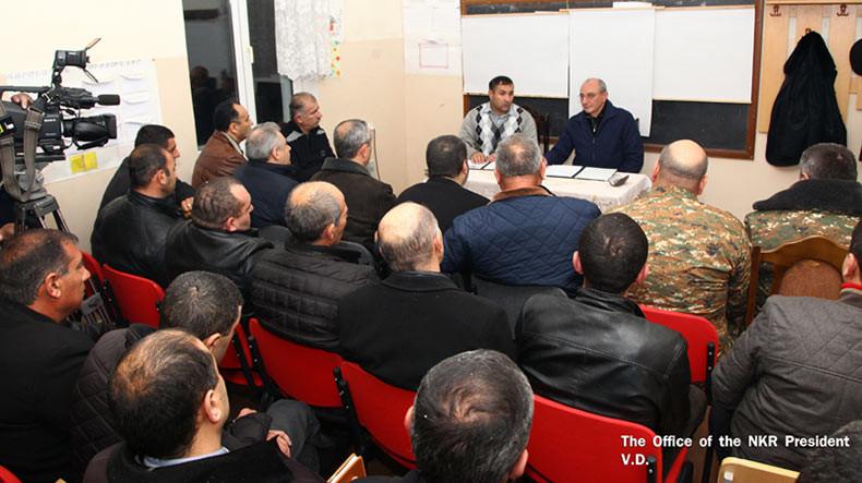Бако Саакян провел встречу с руководителями общин Шаумянского района НКР