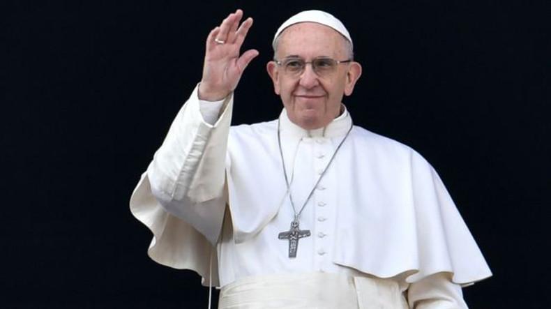 Ֆրանցիսկոս պապը սուրբծննդյան ուղերձում աշխարհին խաղաղության կոչ է արել