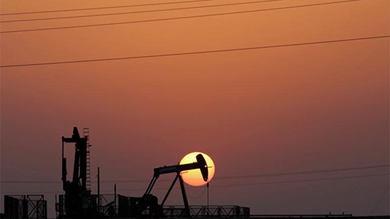 Мировые цены на нефть в пятницу демонстрируют положительную динамику