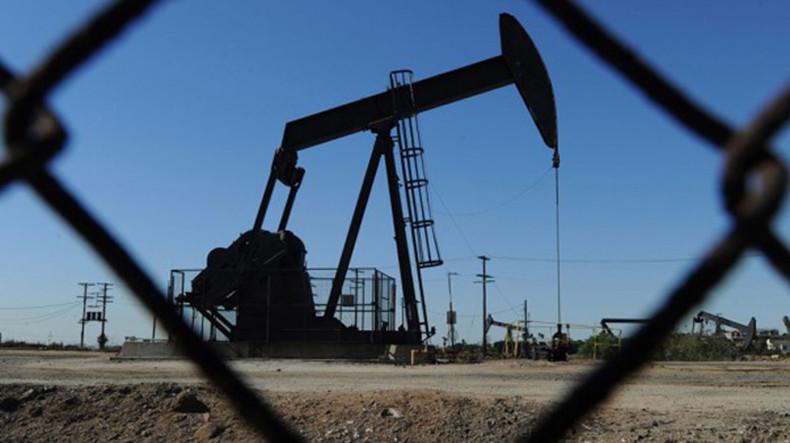 Мировые цены на нефть сдержанно растут в ходе торгов в среду