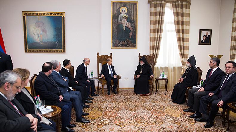 Католикос всех армян Гарегин II принял прибывшего с официальным визитом в Армению президента Ливана Мишеля Ауна