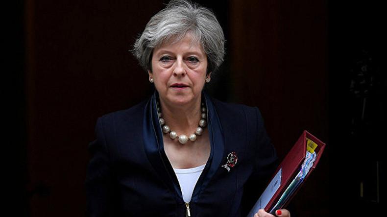 Тереза Мэй: Британия даёт 23 российским дипломатам неделю на сборы