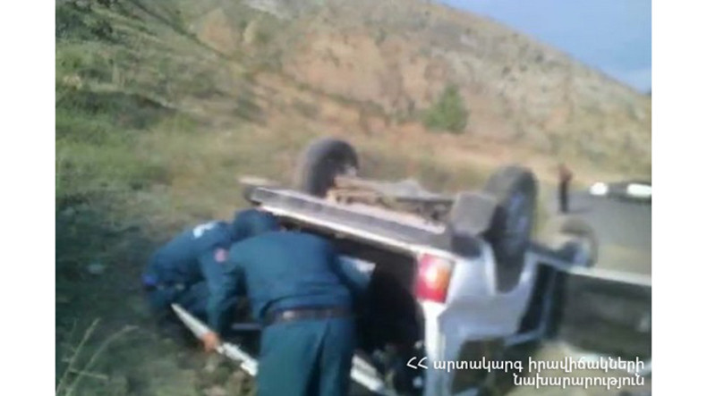 Road accident on Shatis-Yeghegis highway leaves one dead