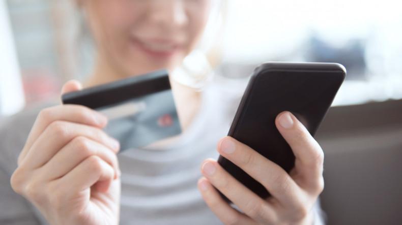 Эксперты по информационной безопасности остерегают от использования простых мобильных программ с большим «аппетитом»