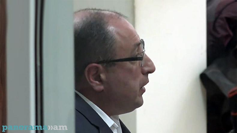 Алумян – судье: Вы должны быть в курсе, что, помимо прав, у Вас есть еще и обязанности
