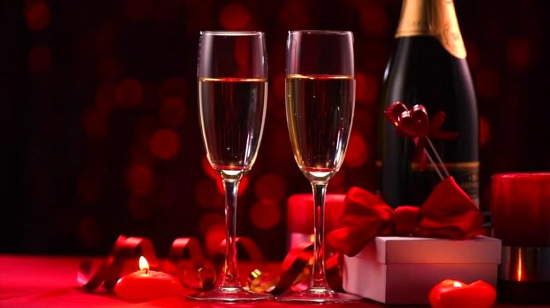 Названо лучшее вино для романтического свидания в День всех влюбленных