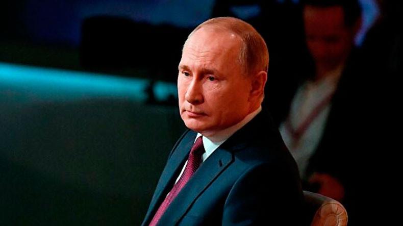 Владимир Путин продлил нерабочие дни в России до 30 апреля