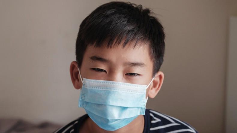 В Японии педиатры предупредили об опасности масок для малышей