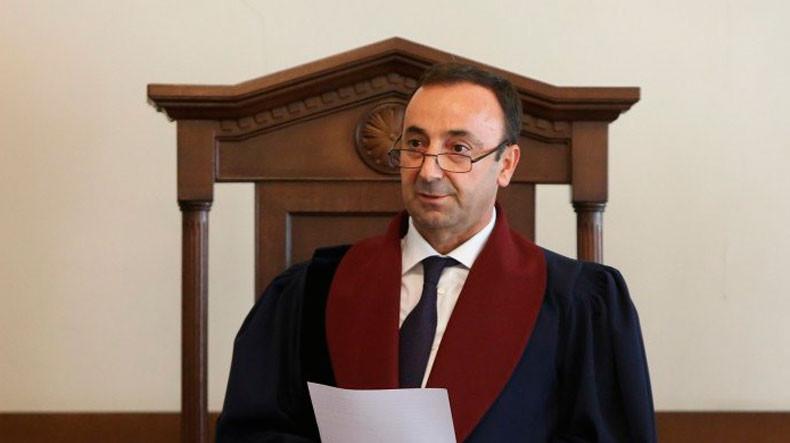 После возвращения из отпуска Г. Товмасян участвовал во всех заседаниях – КС Армении