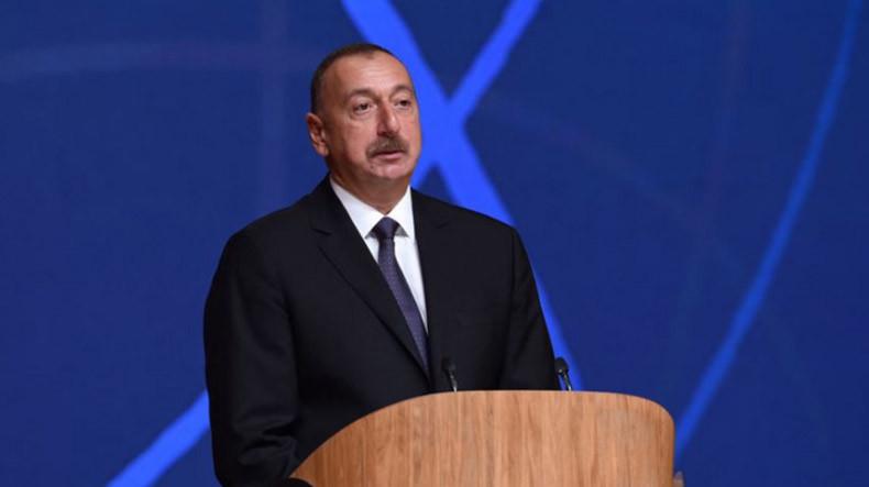 Алиев поблагодарил власти Грузии за то, что не позволили перевозить через свою территорию оружие в Армению.