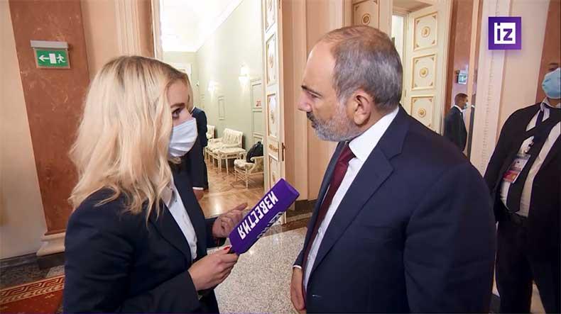 Ավինյանի վարչապետ դառնալու մասին ռուս լրագրողի հարցը շփոթեցրեց Փաշինյանին