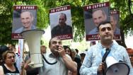 Կառավարության դիմաց պահանջում են Ռոբերտ Քոչարյանին ազատ արձակել