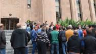 «Սանիթեք»-ի աշխատակիցները քաղաքապետարանից պահանջում են աշխատավարձերը