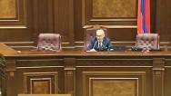 Спикер парламента Армении посоветовал оппозиционному депутату З.Постанджян принять таблетки