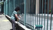 Теракт в Ницце: жители Армении несут цветы к посольству Франции