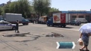 Полиция изменила дислокацию грузовиков на улице Хоренаци в Ереване – возле