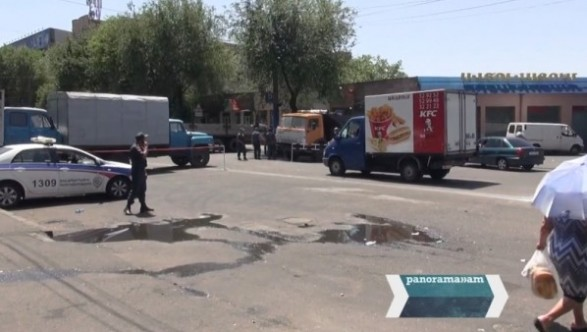 The police changed the parking space for trucks at Khorenatsi Street