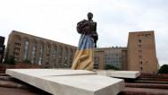 Երևանում բացվեց Արամ Մանուկյանի արձանը