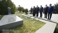 Высшее руководство Армении посетило воинский пантеон «Ераблур»